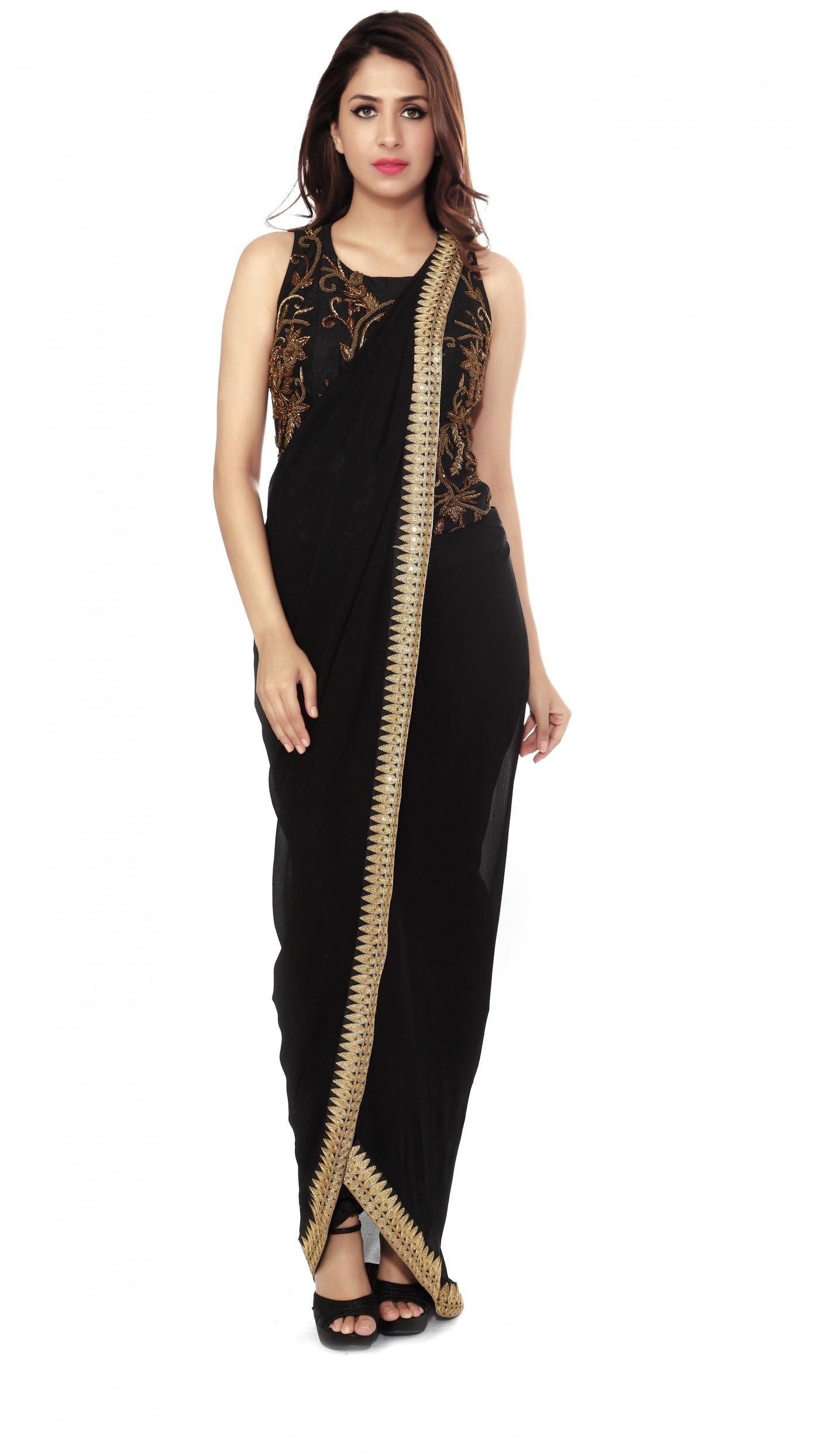 Sonaakshi Raaj\'s Black Dhoti Saree Gown
