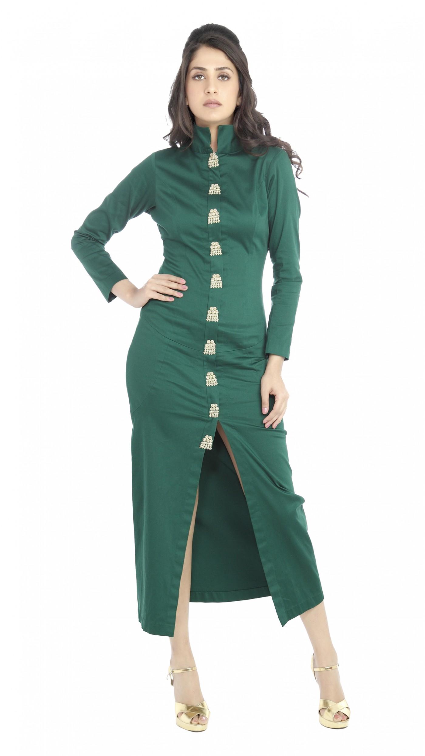 sva by sonam paras modi s emerald green fitted kurta